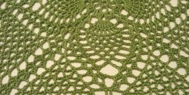 Green 9 inch square doily1