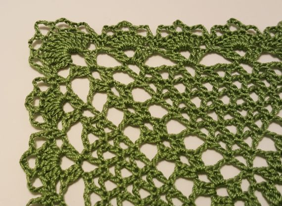 Green 9 inch square doily3